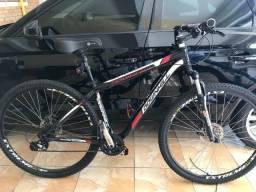 "Bike Downhill aro 29"" 24 marchas sistema shimano Altus"