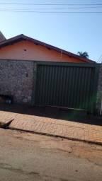 Vende-se casa 3 quartos bairro Sumaré em Barretos