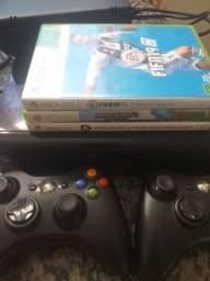 Xbox 360.por 400 reais