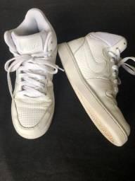 Tênis botinha branco (Court Vision Mid)