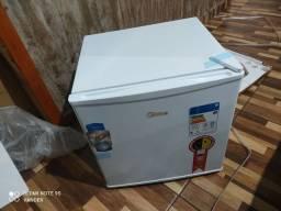 Frigobar 45 litros na caixa