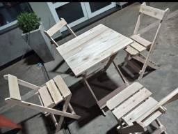 Título do anúncio: Jogo de mesa dobrável com 4 cadeiras crua