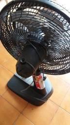 Título do anúncio: ventilador 40 cm arno preto, única dona,  precisando retificar o motor