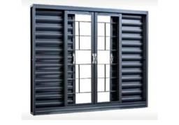 Vendo janela veneziana gravia nova na caixa