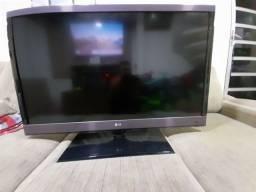 TV LG com tela quebrada
