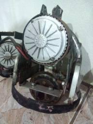 motor elétrico com conjunto redução e roda