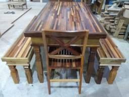 Mesa bancos e cadeiras