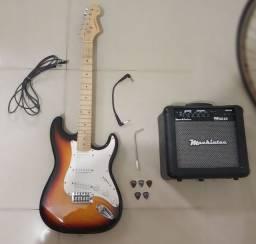 Guitarra Stratocaster SEMI NOVA + amplificador Mackintec e ACESSÓRIOS