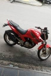 Vendo moto fazer 250