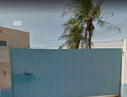 Barracão com estacionamento grande  e escritório com kitnet