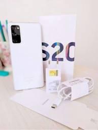 Galaxy S20 FE branco, 128gb impecável! Com nota fiscal e garantia até fevereiro de 2022