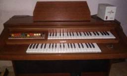 Órgão Eletrônico usado