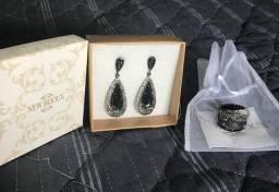 Vendo conjunto brincos e anel cristais pretos prata