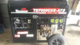 Vendo um Gerador á Diesel partida elétrica toyama td 7000 cxe ats