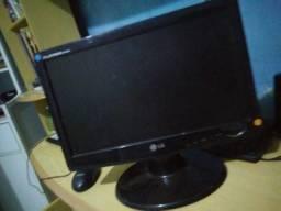 Duas tela de computador
