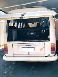 VW Kombi 2003 1.6 injetada R$ 10,000,00 Customizada - 2003
