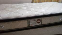 Cama box e colchão solteiro usado