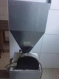 Máquina de moer grãos três rolos