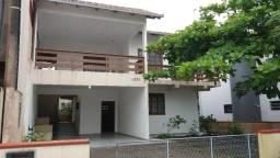 Casa Praia Enseada,220m2, 150mpraia, 4 quartos, 03 ar, churrasq.