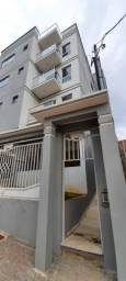 Apartamento 3 quartos, 2 banheiros, varanda, garagem