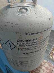 Gás de limpeza de sistema de ar condicionado  20 quilos  450$ pra vender rápido