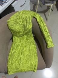 Vestido verde renda de uma manga