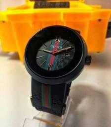 Relógio Gucci Preto c/Caixa Premium Gucci.