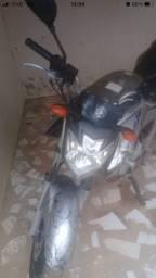 Título do anúncio: Moto Yamaha fazer 2012-2013  R$ 8.500.00