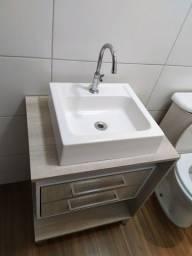 Armário de banheiro com cuba
