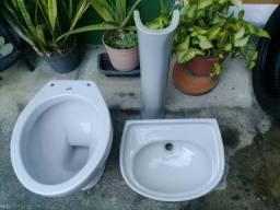Título do anúncio: Vaso sanitário e Pia com coluna Ideal Standard