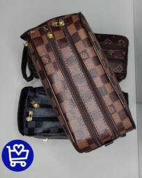Título do anúncio: Necessaire Louis Vuitton Paris 1° linha- faço entrega