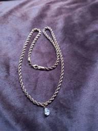 Cordao de moeda antiga e pingente de ouro