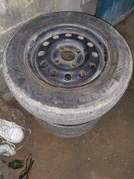Vendo 4 roda 13 com pneus