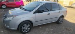 Fiesta Sedan 2010  1.0 completo   novissimo
