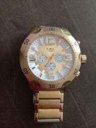 Vende-se este Lindo Relógio da Marca E.M.C  Original.