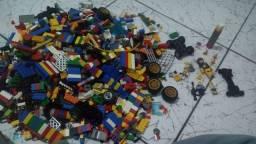Lego várias peças na caixinha