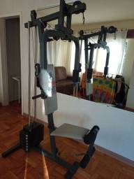 Estação de musculação mais de 30 exercícios