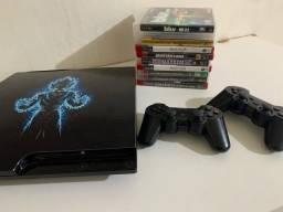 PlayStation 3 / Ps3 slim com 10 jogos em mídia física e inúmeros na memória.