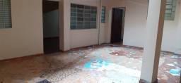 Aluga-se casa, próximo Av. Itaberaba e Av. Inajar de Souza
