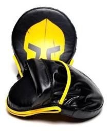 Par de Manopla Curvada Aparador Soco Luva Foco Muay-thai Boxe