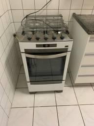 Vendo fogão Brastemp super conservado , elétrico com luz no forno