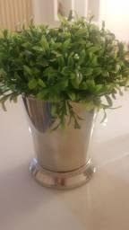 Vasinho com flor por apenas 80,00