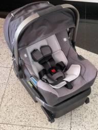 Título do anúncio: Carrinho de bebê, com bebê conforto e pula pula