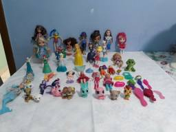 Bendo lote de bonequinhas, mattel,Disney