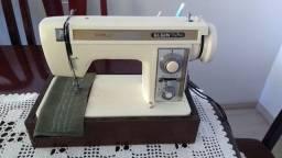 Maquina de Costura Elgin Zig Zag Super, em ótimo estado, uma ótima costura,