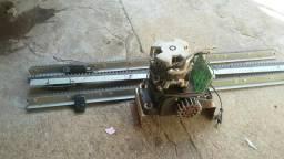 Vendo motor para portão eletrônico usado com 1 controle e usado