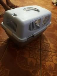 Vende-se uma caixa de transporte animal