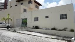 Casa comercial - 135m2 - Candelária / Lagoa Nova