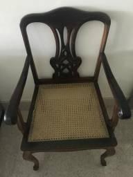 2 cadeiras maçicas de jacarandá