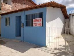 Título do anúncio: Alugo Casas em Prazeres na Estrada da Batalha ao lado da estação de metrô Monte Guararapes